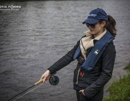 ladies-fly-fishing-in-scotland
