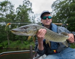 kids-pike-fishing-trip-edinburgh-65