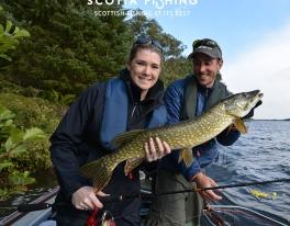 woman-pike-fishing-09