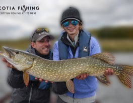 kids-pike-fishing-uk-02
