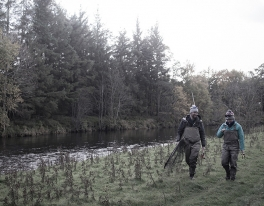 couples-fishing-together-in-scotland-012
