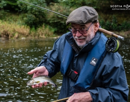 guided-grayling-fly-fishing-on-river-tweed-tummel-earn-teviot