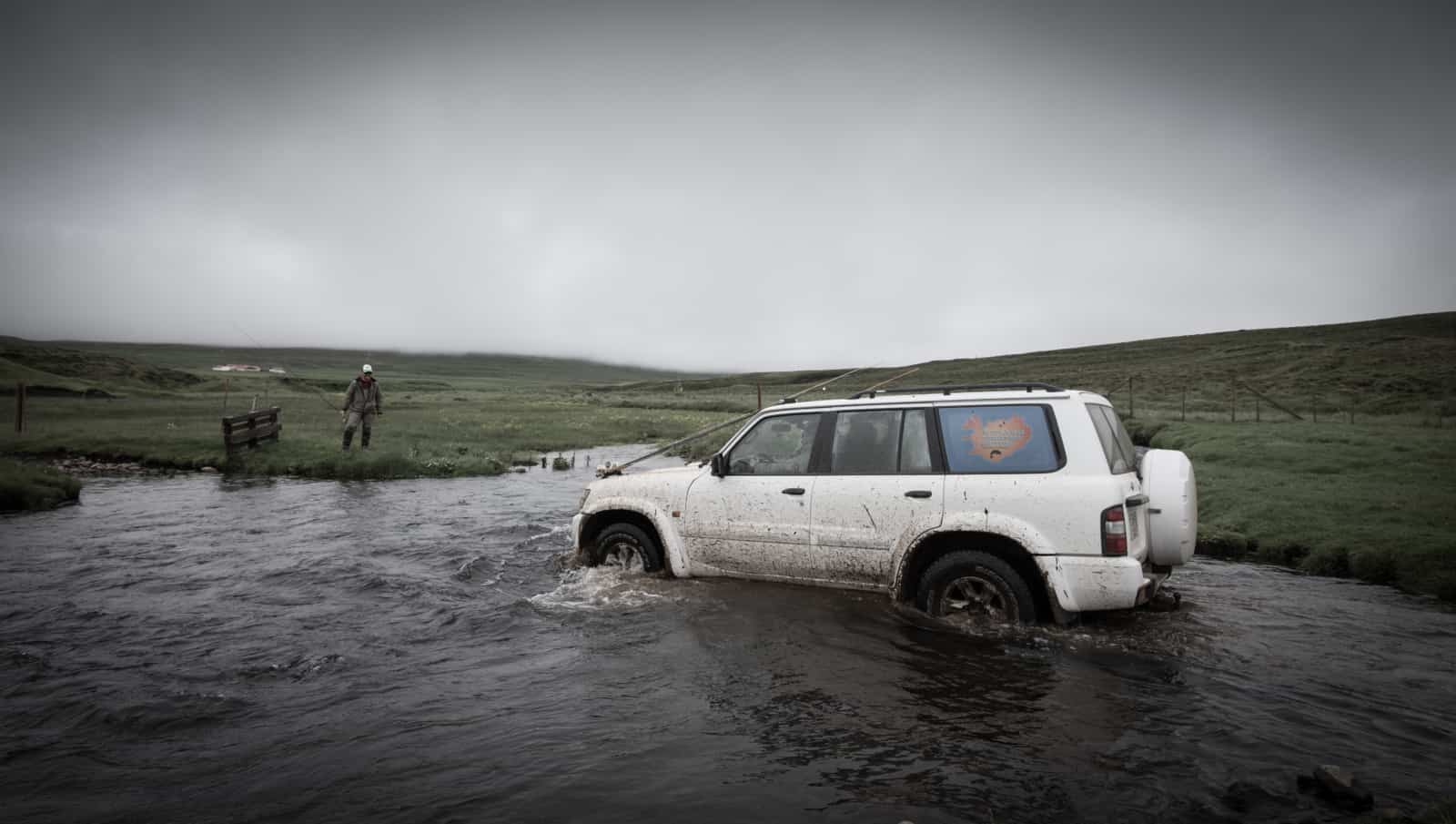 iceland-fishing-guide-car