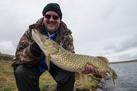 WINTER-PIKE-FISHING-BREAK-09