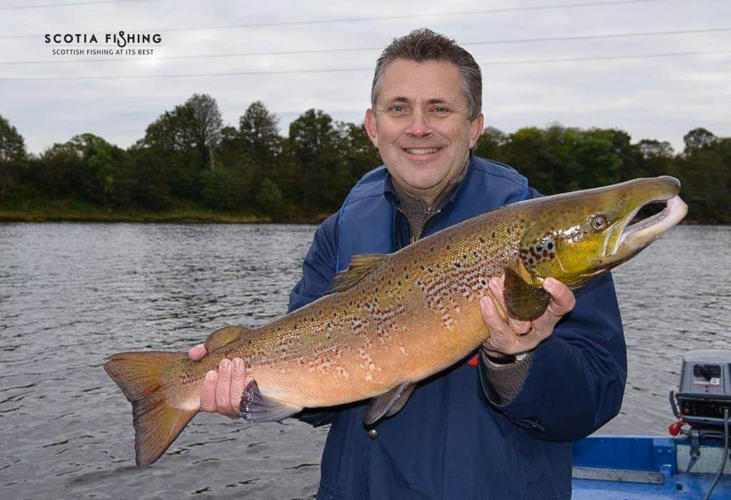river-tay-salmon-fishing-in-october-scotland
