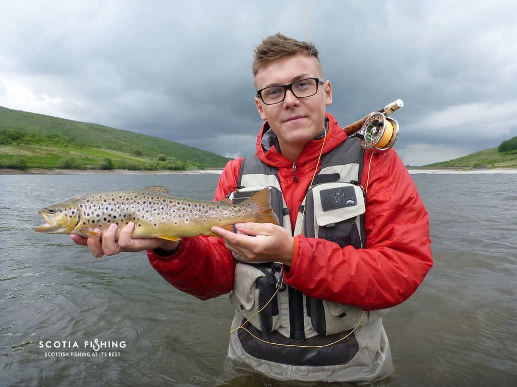 trout-fly-fishing-stirling